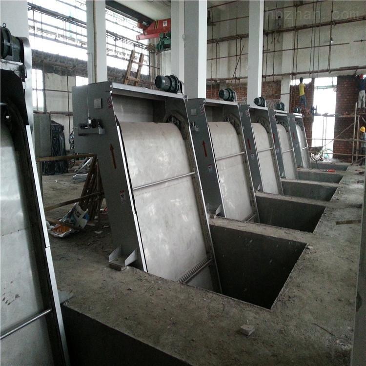 移动式拦污栅清污机的主要结构和工作原理