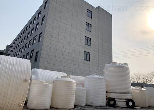 4吨塑料水塔