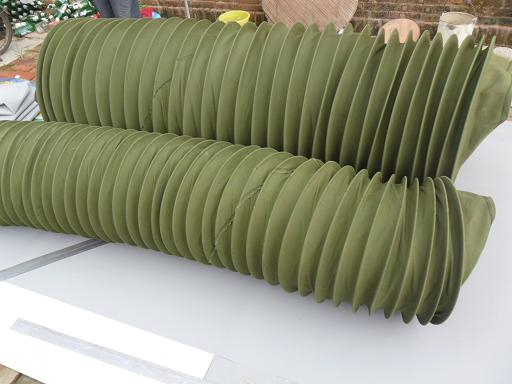 生产各种尺寸伸缩式阻燃通风管