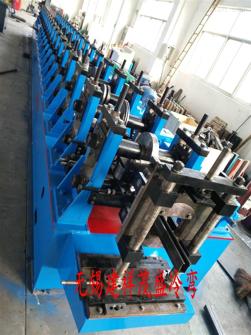 电梯型材成型机