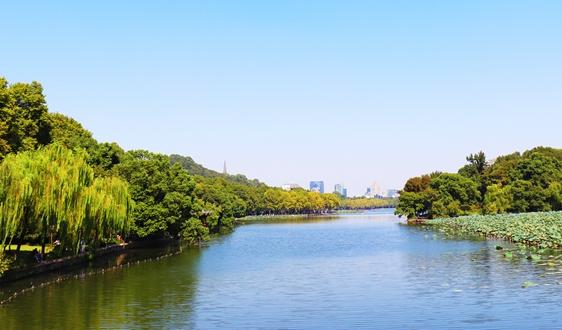 刘慕仁委员:加快推进乡镇污水处理设施建设
